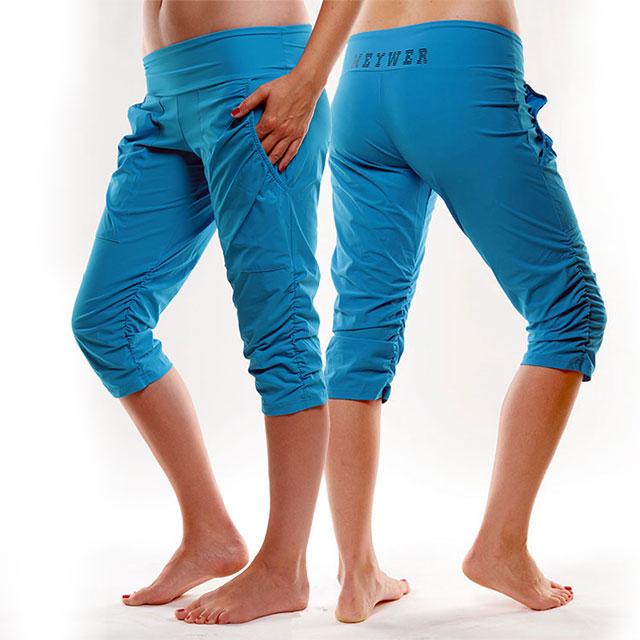 2e132a58b72 Dámské sportovní krátké kalhoty s řasením EG923 - tyrkysová ...