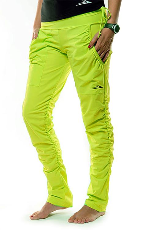 b476540f947 Dámské sportovní kalhoty s řasením EK923 - citronová